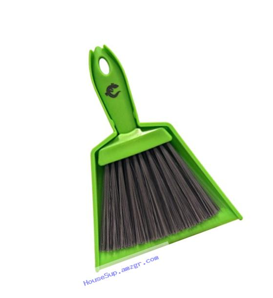 Cold Life Dustpan & Sweeper for Reptile Tanks